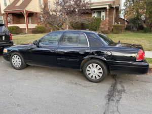 2009 Ford Crown Victoria - Amazing Shape / Low miles! for Sale in Washington, DC
