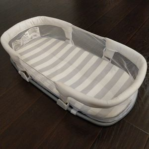 Infant SwaddleMe By Your Side Sleeper for Sale in Houston, TX