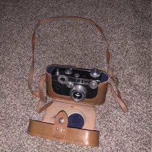 Vintage Argus Camera, (doesn't work) just a collectable . for Sale in Fortville, IN