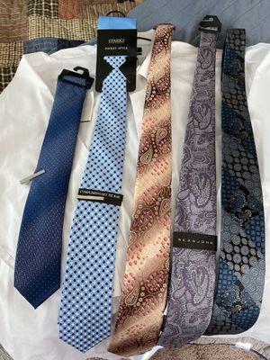 Brand new! 5 ties. 2 tie bars and pocket cloth. for Sale in Maple Valley, WA