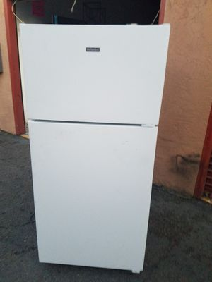 Hotpoint Top-frezeer Refrigerator for Sale in San Leandro, CA