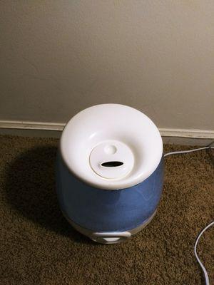 Vicks Filter-Free 1.2 Gallon Cool Mist Humidifier for Sale in Atlanta, GA