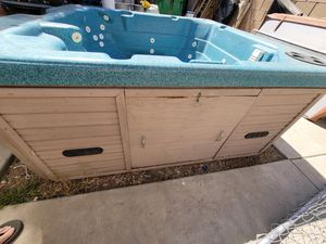SEAGARD POOLS Eight Person SPA With Skirting for Sale in Murrieta, CA