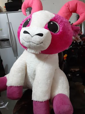 """Giant Goffa stuffed animal (about 46"""") for Sale in Cape Coral, FL"""