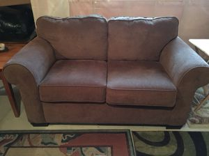 Couch and love seat set for Sale in Scottsdale, AZ