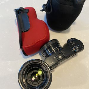 Sony a6000, Plus 2 lenses and carrying case! for Sale in Irvine, CA