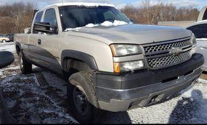 05 chevy Silverado 2500 True Mileage Unknown for Sale in New Albany, OH