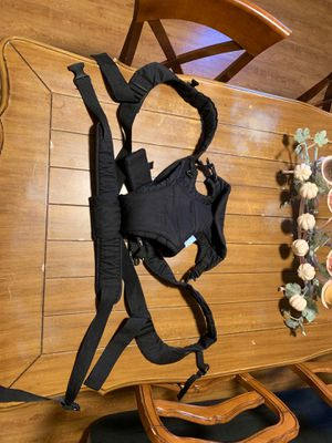 Kanguro. Baby carrier for Sale in Dallas, TX