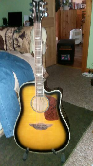 Keith urban player electric acoustic guitar for Sale in Warsaw, IN