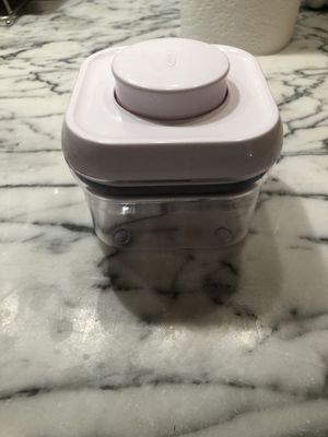 OXO Good Grips Pop Storage Container for Sale in New York, NY