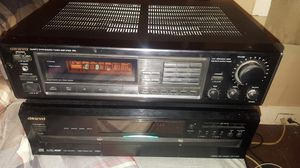 Onkyo 5 Disk CD Player & Onkyo Reciever for Sale in Wrightstown, NJ