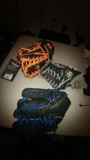 New baseball softball gloves for Sale in Kenilworth, NJ