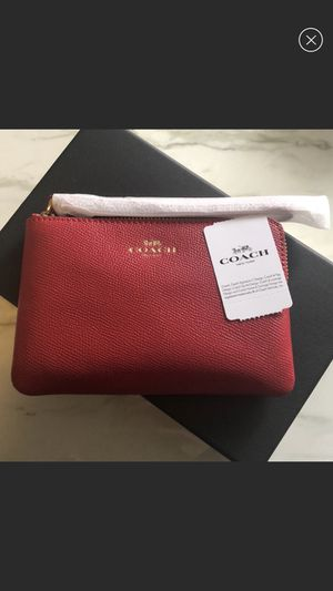 NWT Coach Wristlet for Sale in San Marcos, CA