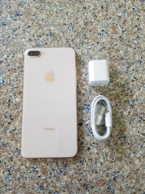 UNLOCKED IPHONE 8 PLUS, 64GB GOLD, PERFECT CONDITIONS !!! PRICE IS FIRM !!! for Sale in Fort Lauderdale, FL