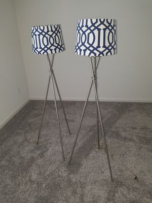 Large tripod lamps for Sale in Ceres, CA