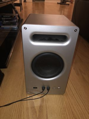 Vizio subwoofer and 2 speakers for Sale in Sicklerville, NJ