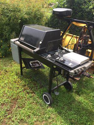 Webber grill for Sale in Uxbridge, MA
