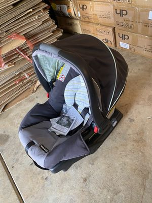 5-30lb brand new car seat for Sale in Elk Grove, CA