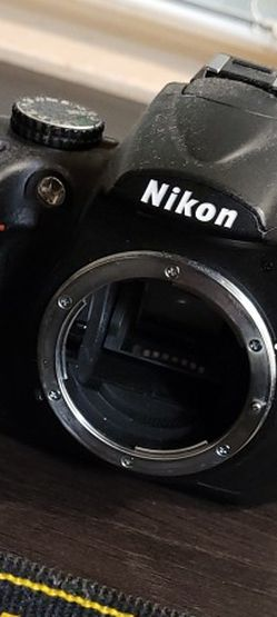Nikon D5000 for Sale in Woodinville,  WA