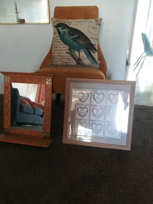 Mirror and picture $25 for both for Sale in Hemet, CA