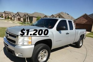 🍁Urgent for sale 🍁2011 Silverado🍁❗🍁!4WDWheelss!🍁 for Sale in Indianapolis, IN