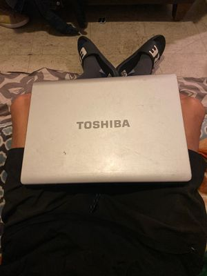 TOSHIBA laptop for Sale in Anaheim, CA