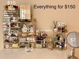 Dressing cases for makeup top (everything for 150) for Sale in Philadelphia, PA