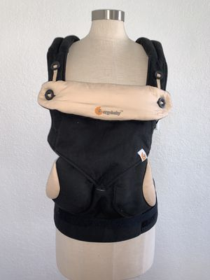 Ergobaby 360 all positions baby carrier for Sale in Pembroke Pines, FL