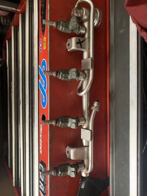 Audi/vw a4, jetta 1.8t fuel rail and stock green injectors for Sale in Alhambra, CA