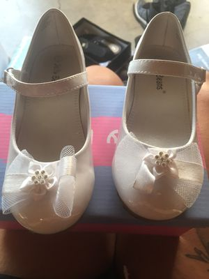 Cute white dress up shoes size 11 for Sale in Las Vegas, NV