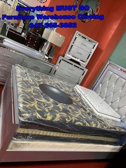 Must Go. Bedroom Sets for Sale in Queens,  NY