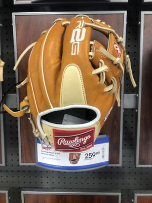 Rawlings baseball glove for Sale in Orange, TX