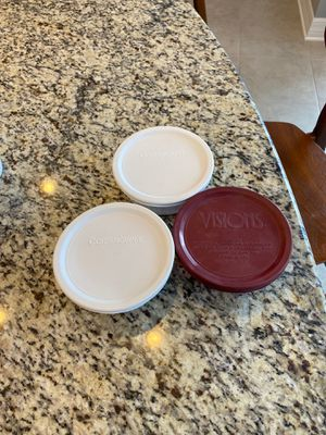 3 small Corningware and 2 Pyrex small bowls for Sale in Tampa, FL