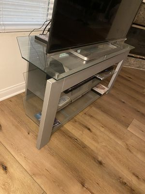 Glass/ Chrome TV stand for Sale in Los Angeles, CA