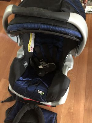 Child Carrier Car Seat with Base for Sale in Summerfield, NC