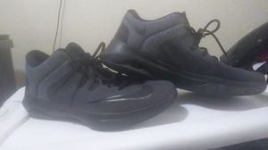 Nike shoes, worn of times, size: 9:5 for Sale in Las Vegas, NV