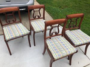 Vintage Duncan Phyfe dining table with 4chairs for Sale in Silver Spring, MD