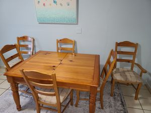 Eight piece kitchen table set for Sale in HALNDLE BCH, FL