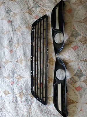 2013-2015 nissan Sentra Grill and fog light covers. read description! for Sale in Los Angeles, CA