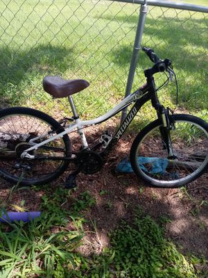 bike 24 specialized speed 7 transmisión 7 black condition súper ready ready for Sale in Lake Hamilton, FL
