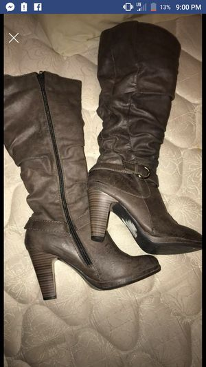 Gray boots size 7 m for Sale in San Angelo, TX