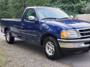 Ford F150 low mileage clean for Sale in Fredericksburg, VA