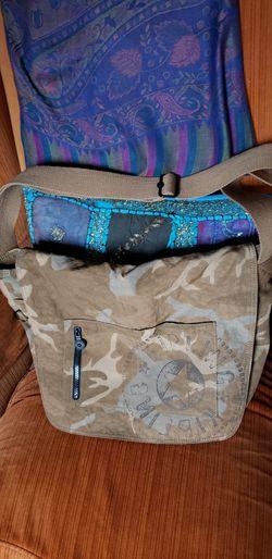 Kipling Cammo Messenger Bag for Sale in Amherst,  OH