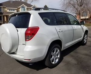 Automatic transmission 2006 TOYOTA RAV4 Cloth seats for Sale in Denver, CO