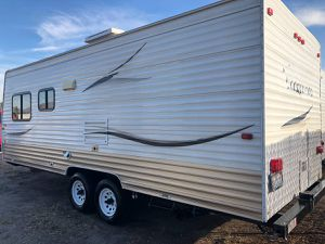 2009 weekender 24ft Travel Trailer sleeps7 for Sale in Salt Lake City, UT