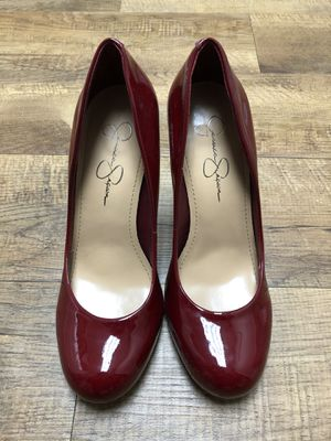 JESSICA SIMPSON Calie Pump Heel, Lipstick Red Patent 8.5 for Sale in Nashville, TN