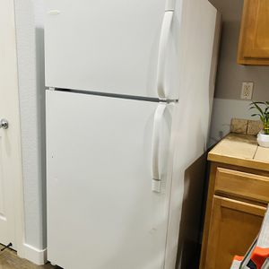 FRIDGE GREAT CONDITION PICK UP ONLY!! for Sale in Hillsboro, OR