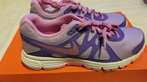 New youth girls shoes athletic Nike Revolution sz 6 for Sale in Clovis, CA