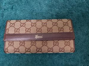 Gucci Signature Logo Brown Leather/Fabric Wallet for Sale in Riverside, CA
