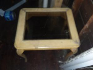 Free end table for Sale in Cleveland, OH
